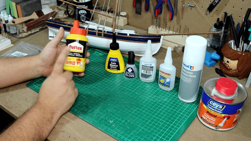 Adhesivos y pegamentos para modelismo naval