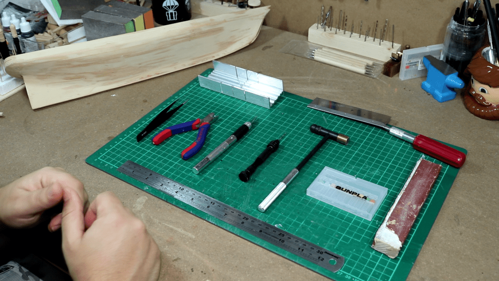 Herramientas basicas del modelismo naval