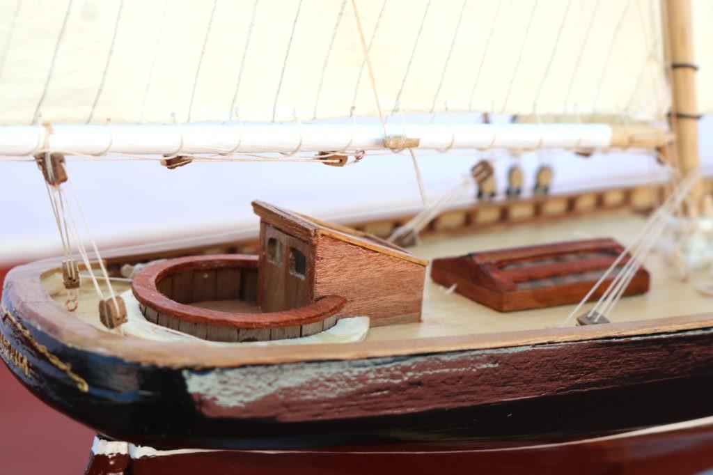 Cabina de popa del America Yacht 1:66