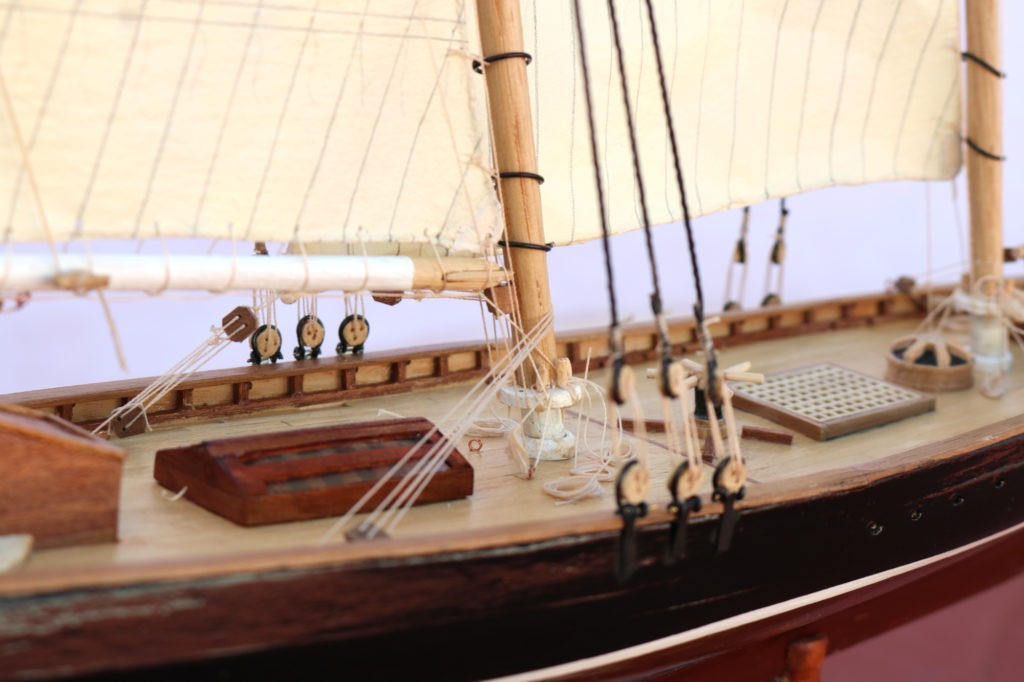 Palo mayor del America yacht 1:66