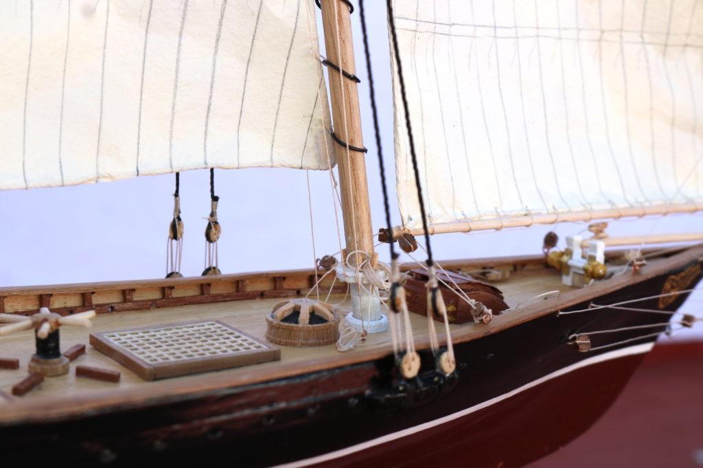 Cabillas y detalles de la cubierta del America Yacht 1:66