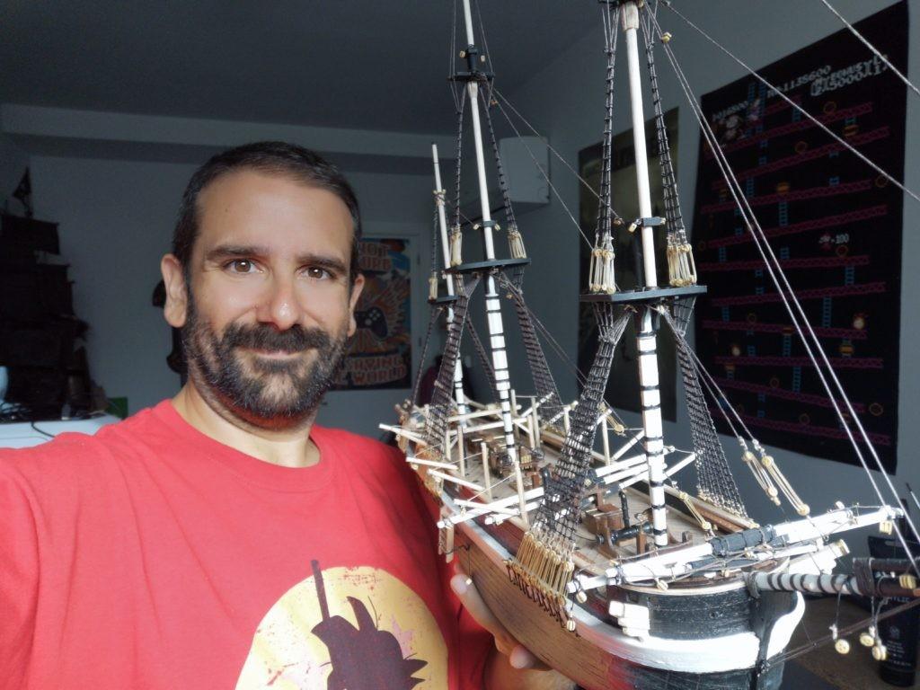 HMS Terror modelo a escala 1:75